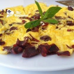 pastirmali omlet tarifi