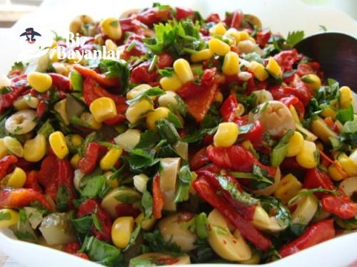 Közlenmiş Kırmızı Biber Salatası Tarifi Bizbayanlar Com